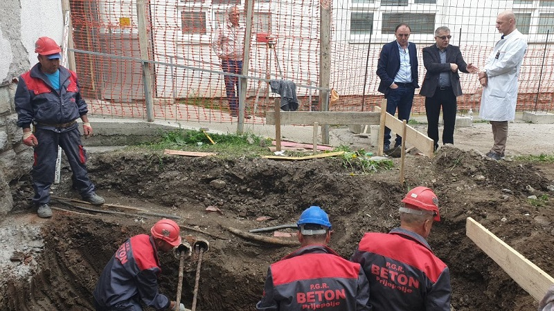 Počeli radovi na ugradnji dva lifta u Opštoj bolnici u Prijepolju
