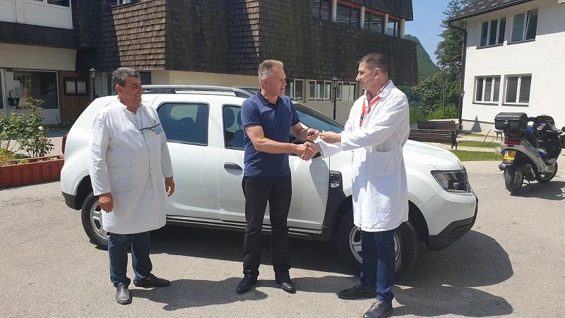 Novovaroški Dom zdravlja bogatiji za još jedno terensko vozilo