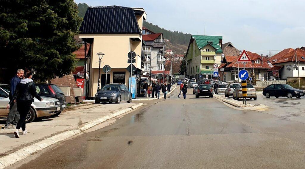 Uhapšene dve frizerke u Novoj Varoši zbog nepoštovanja zdravstvenih propisa